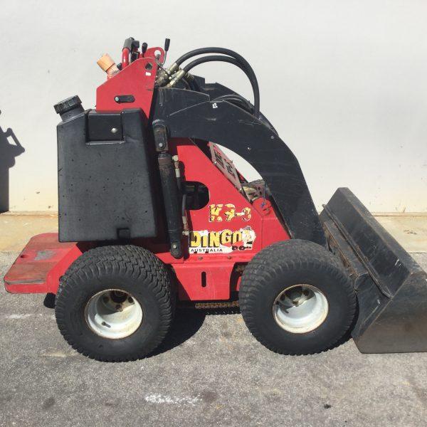 dingo k93 with bucket